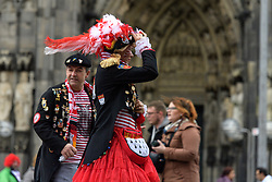 23.02.2017, Koeln, GER, Karneval, Weiberfastnacht, im Bild Karnevalisten vor dem Dom // during Women's Night of Cologne Carnival 2017. Koeln, Germany on 2017/02/23. EXPA Pictures © 2017, PhotoCredit: EXPA/ Eibner-Pressefoto/ Schueler<br /> <br /> *****ATTENTION - OUT of GER*****