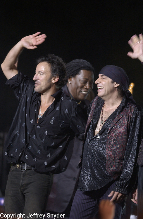 Bruce Springsteen, Clarence Clmons and Steve Van Zandt- MTV Video Music Awards 2002 - American Museum of Natural History