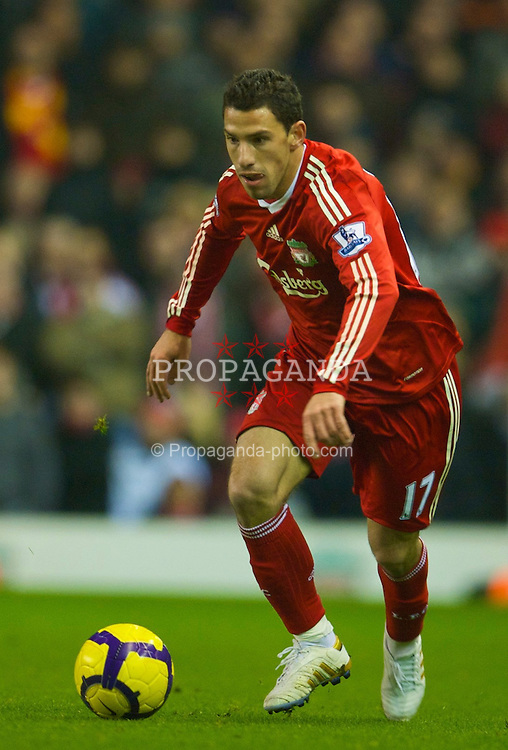 LIVERPOOL, ENGLAND - Wednesday, January 20, 2010: Liverpool's Maximiliano Ruben Maxi Rodriguez in action against Tottenham Hotspur during the Premiership match at Anfield. (Photo by: David Rawcliffe/Propaganda)