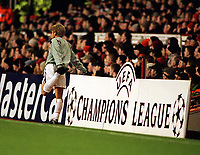 Fotball: Junichi Inamoto, Arsenal,  prepares to come on. Arsenal v Bayer Leverkusen. Champions League. 27.2.2002.<br />