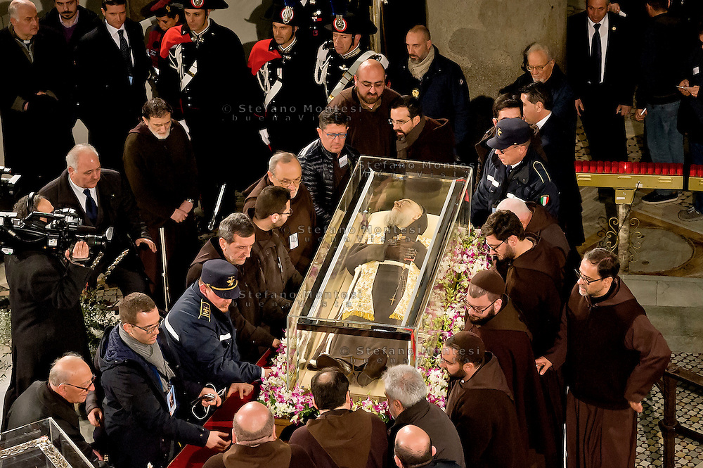 Rome, Italy. 3th Febraury 2016<br /> The relic of  St. Pio of Pietrelcina arrive in procession in the Basilica of San Lorenzo Fuori le mura.  The St. Pio of Pietrelcina were called to Rome by Pope Francis as symbol of the Mercy Jubilee.