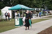 Camilla Horne, KIM WILDE TO HOSTS RHS ÔA MAGICAL GARDEN PARTY' -HAMPTON COURT PALACE FLOWER SHOW, 2 JULY 2007. DO NOT ARCHIVE-© Copyright Photograph by Dafydd Jones. 248 Clapham Rd. London SW9 0PZ. Tel 0207 820 0771. www.dafjones.com.