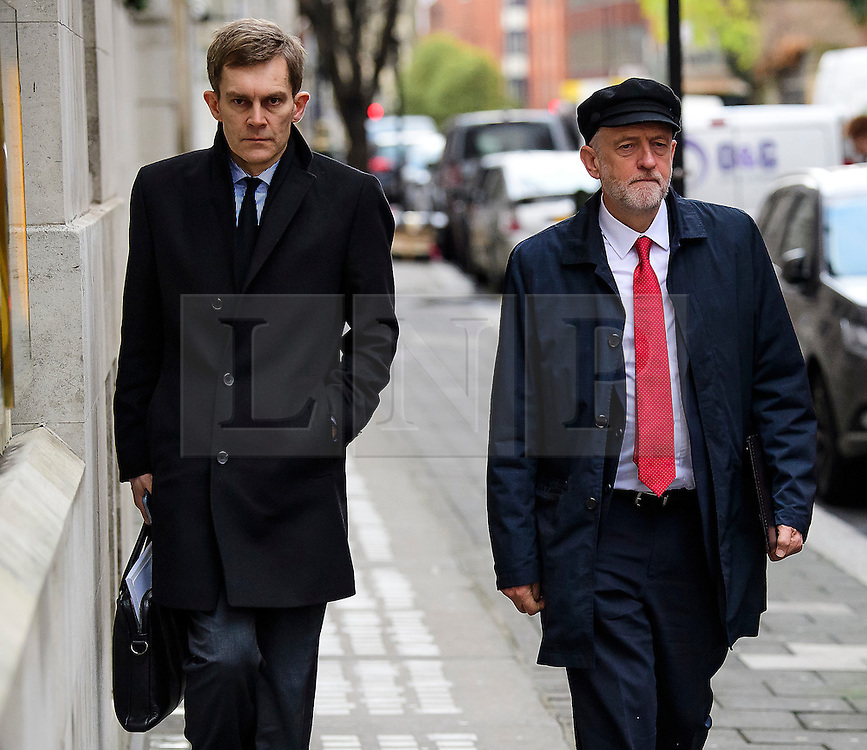 """© Licensed to London News Pictures. 10/01/2017. London, UK. Labour Party leader JEREMY CORBYN (right) seen in London with Labour Party's Executive Director of Strategy and Communications SEUMAS MILNE (Left) , on the day he is due to give a speech on Brexit, arguing that the UK """"can be better off"""" after leaving the EU. Photo credit: Ben Cawthra/LNP"""