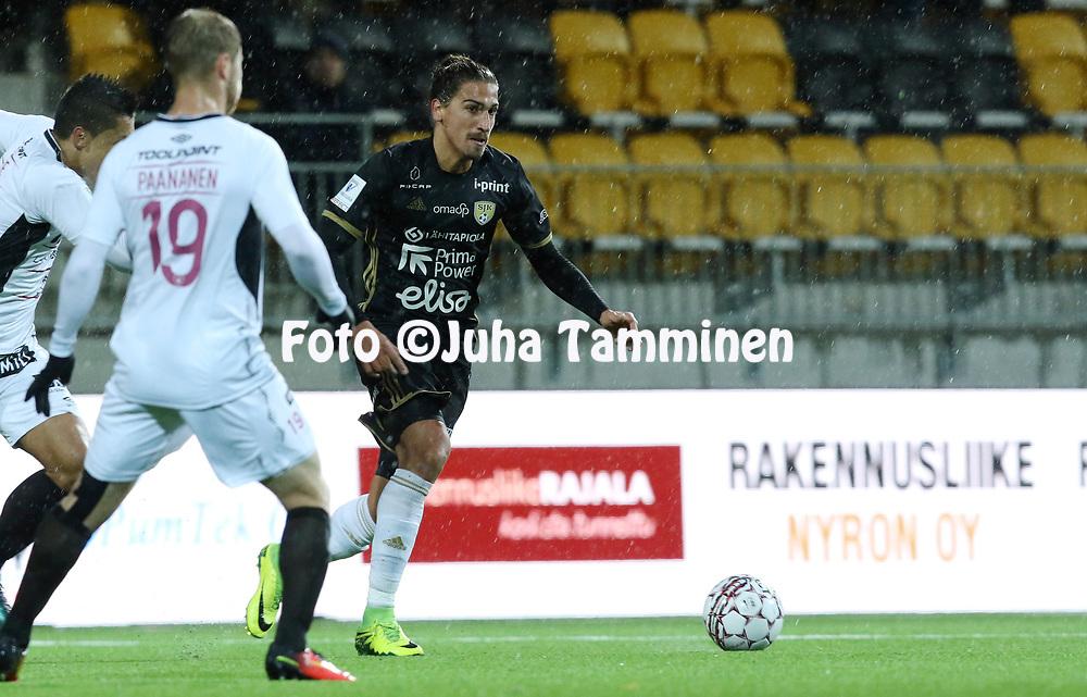 5.4.2017, OmaSP Stadion, Sein&auml;joki.<br /> Veikkausliiga 2017.<br /> Sein&auml;joen Jalkapallokerho - FC Lahti.<br /> Facundo Guich&oacute;n - SJK