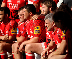 London Welsh's Tom May has a picture with his teammates after completing his last game before his retirement - Photo mandatory by-line: Robbie Stephenson/JMP - Mobile: 07966 386802 - 16/05/2015 - SPORT - Rugby - Oxford - Kassam Stadium - London Welsh v Saracens - Aviva Premiership
