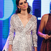 NLD/Hilversum/20141027 - Finale Holland Next Top Model 2014, Debbie Dhillon, Sanne de Roo en Anuok Smulders