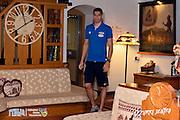 DESCRIZIONE: Folgaria ritiro nazionale italiana maschile - Arrivo in hotel <br /> GIOCATORE: Andrea Bargnani<br /> CATEGORIA: Nazionale Maschile Senior<br /> GARA: Folgaria Ritiro Nazionale Italiana Maschile - Arrivo in hotel <br /> DATA: 07/06/2016<br /> AUTORE: Agenzia Ciamillo-Castoria