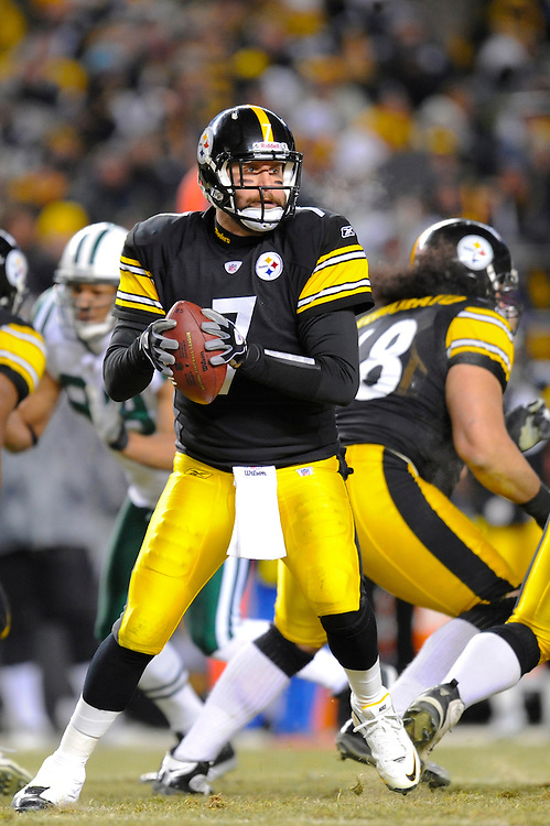 PITTSBURGH, PA - JANUARY 23: Ben Roethlisberger #7 of the Pittsburgh Steelers drops back to pass against the New York Jets in the AFC Championship Playoff Game at Heinz Field on January 23, 2011 in Pittsburgh, Pennsylvania. The Steelers defeated the Jets 24 to 19. (Photo by: Rob Tringali) *** Local Caption *** Ben Roethlisberger