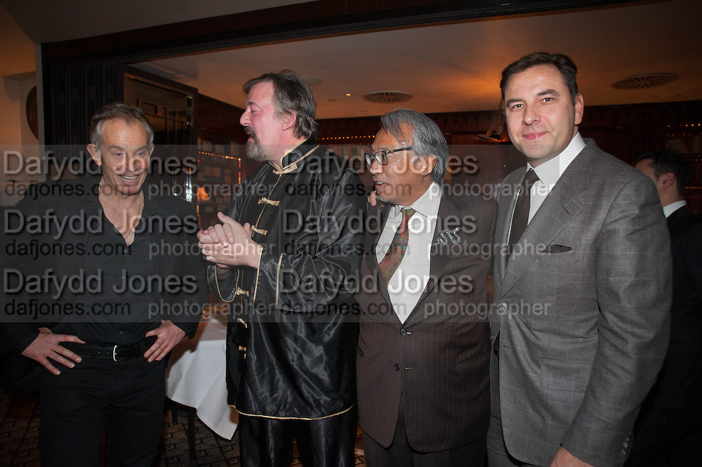 TONY BLAIR; STEPHEN FRY;  SIR DAVID TANG; DAVID WALLIAMS, Chinese New Year dinner given by Sir David Tang. China Tang. Park Lane. London. 4 February 2013.