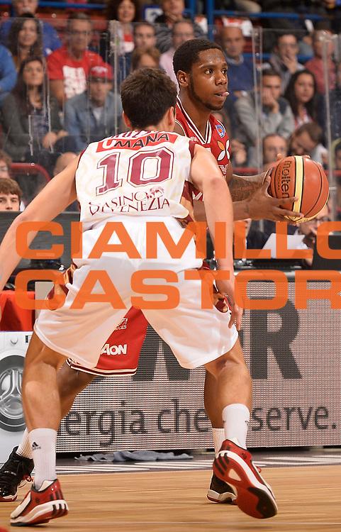 DESCRIZIONE : Milano Lega A 2014-2015 EA7 Emporio Armani Milano Umana Venezia<br /> GIOCATORE : Joe Ragland<br /> CATEGORIA : palleggio<br /> SQUADRA : EA7 Emporio Armani Milano<br /> EVENTO : Campionato Lega A 2014-2015<br /> GARA : EA7 Emporio Armani Milano Umana Venezia<br /> DATA : 26/10/2014<br /> SPORT : Pallacanestro<br /> AUTORE : Agenzia Ciamillo-Castoria/R.Morgano<br /> GALLERIA : Lega Basket A 2014-2015<br /> FOTONOTIZIA : Milano Lega A 2014-2015 EA7 Emporio Armani Milano Umana Venezia<br /> PREDEFINITA :