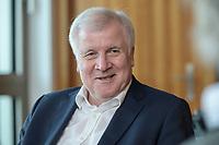 01 JUL 2019, BERLIN/GERMANY:<br /> Horst Seehofer, CSU, Bundesinnenminister, waehrend einem Interview, in seinem Buero, Bundesministerium des Inneren<br /> IMAGE: 20190701-01-002<br /> KEYWORDS: Büro