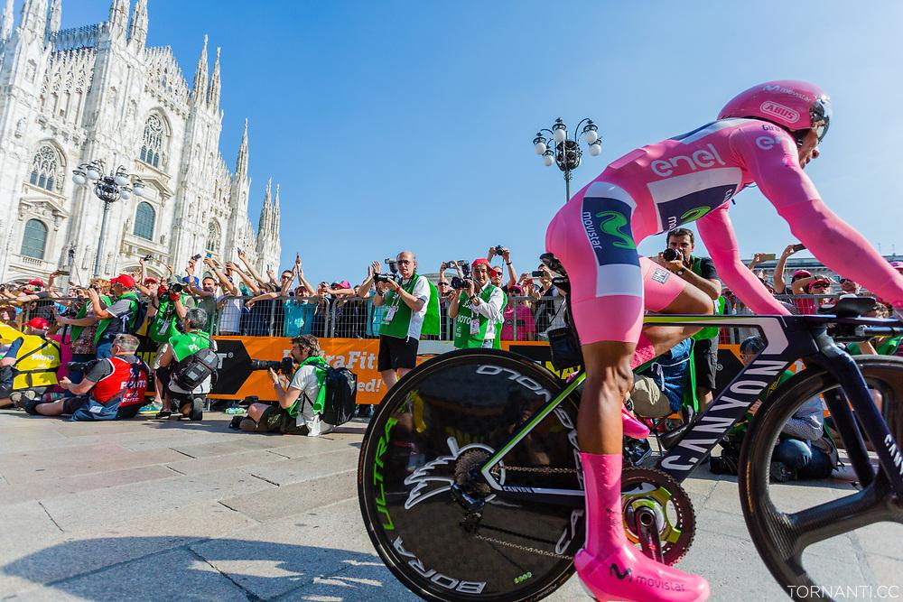 Giro D'Italia 2017 stage 21 (Monza - Milano / ITT / 29,3km) - Last stage<br /> <br /> Piazza del Duomo, Milano<br /> <br /> Photo: Tornanti.cc Nairo Quintana.