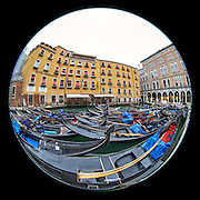 November 29~December 2, 2014  •  Venice, Italy  •  new images for 'aRound Venice'  •  Gondola Station in the Rio Orseolo o del Coval by the Hotel Cavalletto  •  photographed from Calle Salvadago