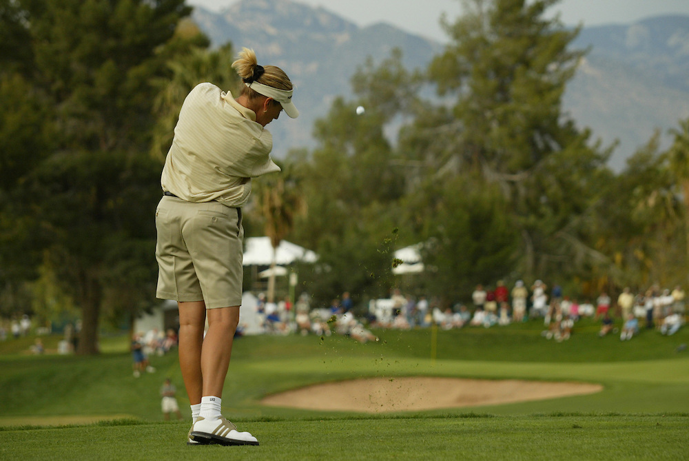 Kelly Robbins..LPGA Welch's Fry's Round 2..Dell Urich GC at Randolph Park..Tucson, AZ..March 13, 2003..Photograph by Darren Carroll ..X67922