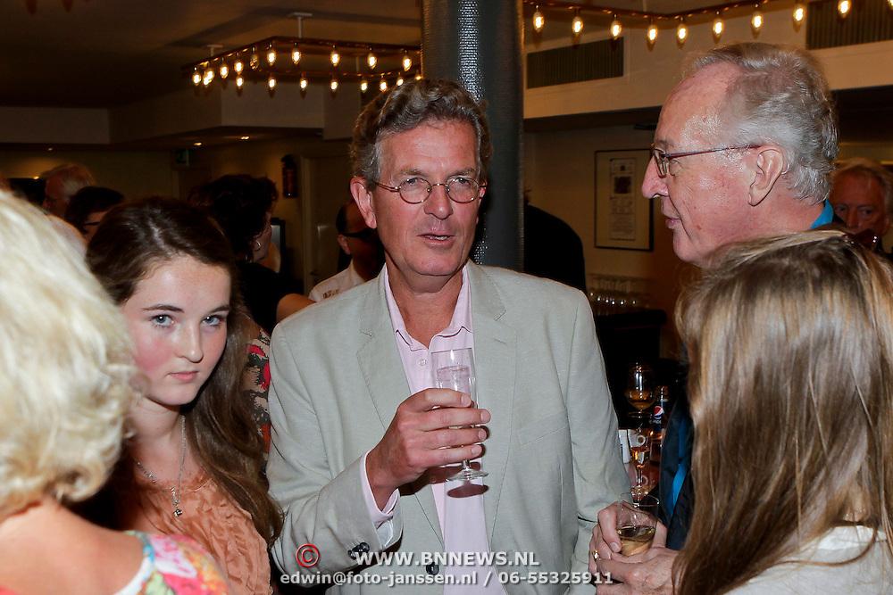 NLD/Amsterdam/20110929 - Presentatie biografie Mies Bouwman, zoon Joost Timp