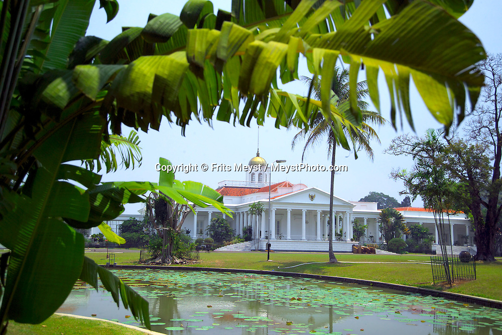 Java, Indonesia, October 2006. The botanical gardens of Bogor. The island of Java is rich with culture, colorful friendly people, dutch colonial history and beautiful landscapes. Photo by Frits Meyst/Adventure4ever.com