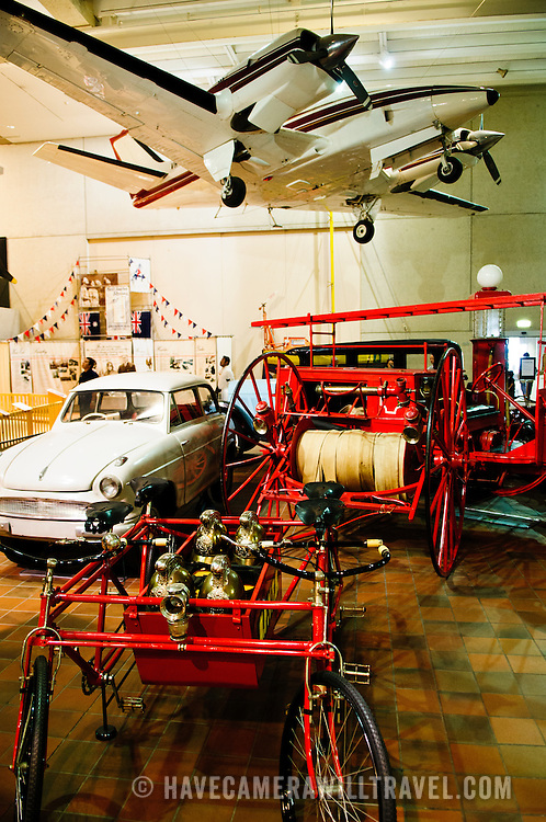 Exhibits of planes and cars in the Queensland Museum