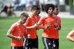08.05.2013, Saebener Strasse, Muenchen, GER, 1. FBL, FC Bayern Muenchen, Training, im Bild V.l.n.r.: Diego CONTENTO (FC Bayern Muenchen), Mario GOMEZ (FC Bayern Muenchen), Jerome BOATENG (FC Bayern Muenchen), DANTE (FC Bayern Muenchen) und Luiz GUSTAVO (FC Bayern Muenchen) // during a Trainingssession of the German Bundesliga Club FC Bayern Munich at the Saebener Strasse, Munich, Germany on 2013/05/08. EXPA Pictures © 2013, PhotoCredit: EXPA/ Eibner/ Wolfgang Stuetzle..***** ATTENTION - OUT OF GER *****