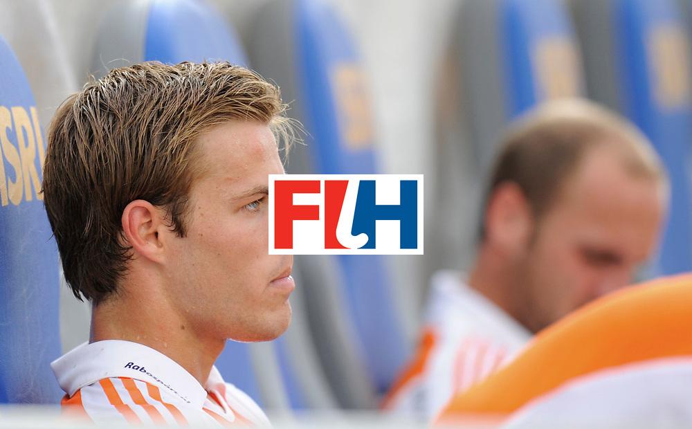 Monchengladbach - Champions Trophy men<br /> England vs Netherlands 4-3<br /> foto: Jeroen Hertzberger balen.<br /> FFU Press Agency  COPYRIGHT Frank Uijlenbroek