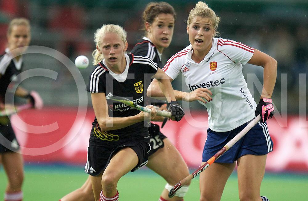 BOOM - Trifinance EuroHockey Championships women<br /> Finale Germany v England<br /> Foto: Jenifer Plass and Geeorgie Twig..<br /> FFU PRESS AGENCY COPYRIGHT FRANK UIJLENBROEK