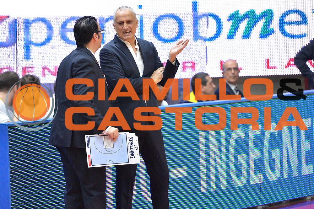 DESCRIZIONE : Milano Lega A 2014-15 Openjobmetis Varese- Vagoli Basket Cremona<br /> GIOCATORE : Pancotto Cesare<br /> CATEGORIA : coach  Fair Play<br /> SQUADRA : Vagoli Basket Cremona<br /> EVENTO : Campionato Lega A 2014-2015 GARA :Openjobmetis Varese - Vagoli Basket Cremona<br /> DATA : 22/03/2015 <br /> SPORT : Pallacanestro <br /> AUTORE : Agenzia Ciamillo-Castoria/IvanMancini<br /> Galleria : Lega Basket A 2014-2015 Fotonotizia : Varese Lega A 2014-15 Openjobmetis Varese - Vagoli Basket Cremona