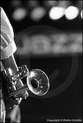Berlin, DEU, 31.10.2002: Jazz Music , Markus Stockhausen, trumpet, flugelhorn, Trompete, Fluegelhorn, Jazz, Musik, bunte Lichter, Scheinwerfer, Buehnenscheinwerfer, Jazzsymbol, Schriftzug, Symbol, JazzFest Berlin 2002, Haus der Berliner Festspiele, Berlin, 31.10.2002 ( Keywords: Musiker ; Musician ; Musik ; Music ; Jazz ; Jazz ; Kultur ; Culture ) , [ Photo-copyright: Detlev Schilke, Postfach 350802, 10217 Berlin, Germany, Mobile: +49 170 3110119, photo@detschilke.de, www.detschilke.de - Jegliche Nutzung nur gegen Honorar nach MFM, Urhebernachweis nach Par. 13 UrhG und Belegexemplare. Only editorial use, advertising after agreement! Eventuell notwendige Einholung von Rechten Dritter wird nicht zugesichert, falls nicht anders vermerkt. No Model Release! No Property Release! AGB/TERMS: http://www.detschilke.de/terms.html ]