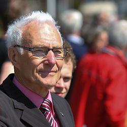 61e Ronde van Overijssel Dick Heling kreeg het Zilveren Wiel uitgereikt voor de wedstrijd