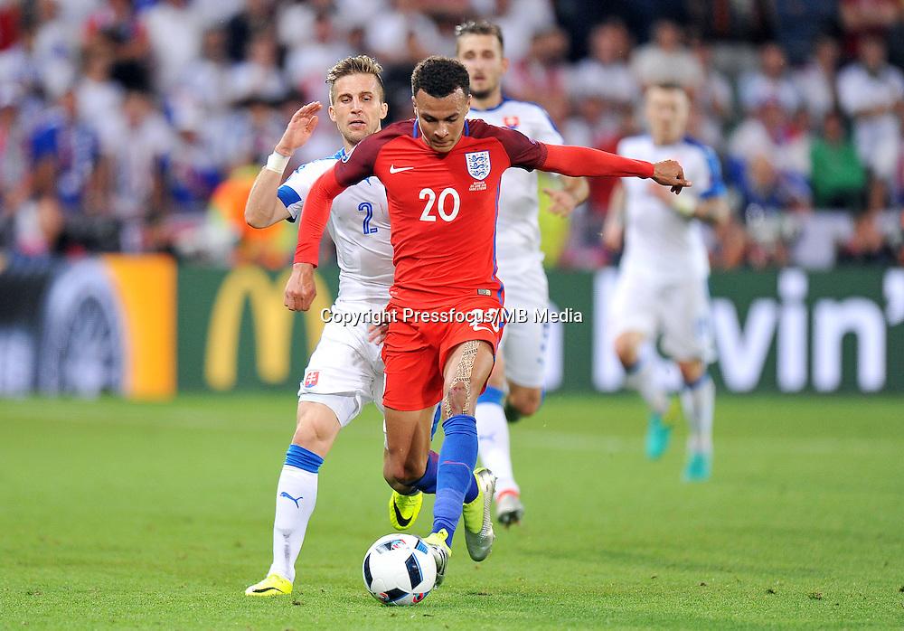 2016.06.20 Saint Etienne<br /> Pilka nozna Euro 2016<br /> mecz grupy B Slowacja - Anglia<br /> N/z Peter Pekarik Dele Alli<br /> Foto Norbert Barczyk / PressFocus<br /> <br /> 2016.06.20 Saint Etienne<br /> Football UEFA Euro 2016 group B game between Slovakia and England<br /> Peter Pekarik Dele Alli<br /> Credit: Norbert Barczyk / PressFocus