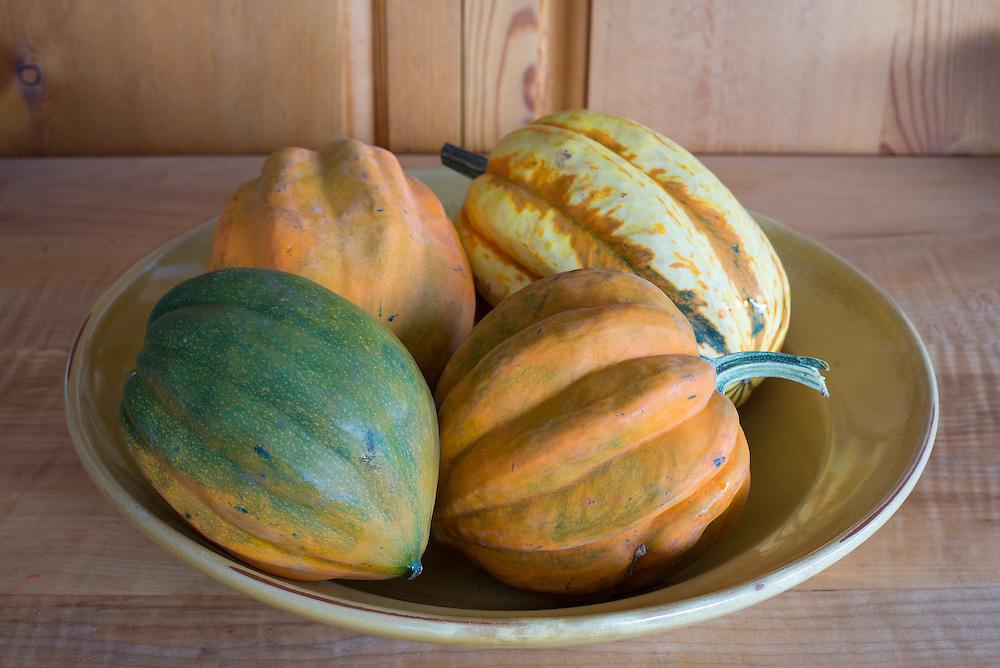 Bowl of acorn squash.