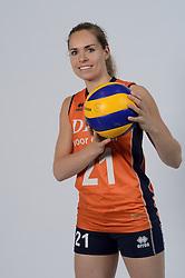 21-05-2014 NED: Selectie Nederlands volleybal team vrouwen, Arnhem<br /> Op Papendal werd het Nederlands team volleybal seizoen 2014-2015 gepresenteerd / Esther van Berkel