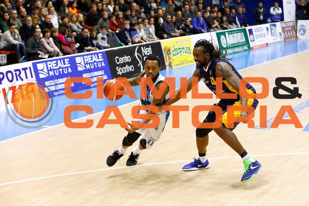 DESCRIZIONE : Capo dOrlando Lega A 2015-16 Betaland Capo d Orlando Manital Auxilium Cus Torino<br /> GIOCATORE : Ryan Boatright<br /> CATEGORIA : Palleggio Penetrazione<br /> SQUADRA : Orlandina Basket<br /> EVENTO : Campionato Lega A Beko 2015-2016 <br /> GARA : Betaland Capo d Orlando Manital Auxilium Cus Torino<br /> DATA : 13/03/2016<br /> SPORT : Pallacanestro <br /> AUTORE : Agenzia Ciamillo-Castoria/G.Pappalardo<br /> Galleria : Lega Basket A 2015-2016<br /> Fotonotizia : Capo dOrlando Lega A 2015-16 Betaland Capo d Orlando Manital Auxilium Cus Torino