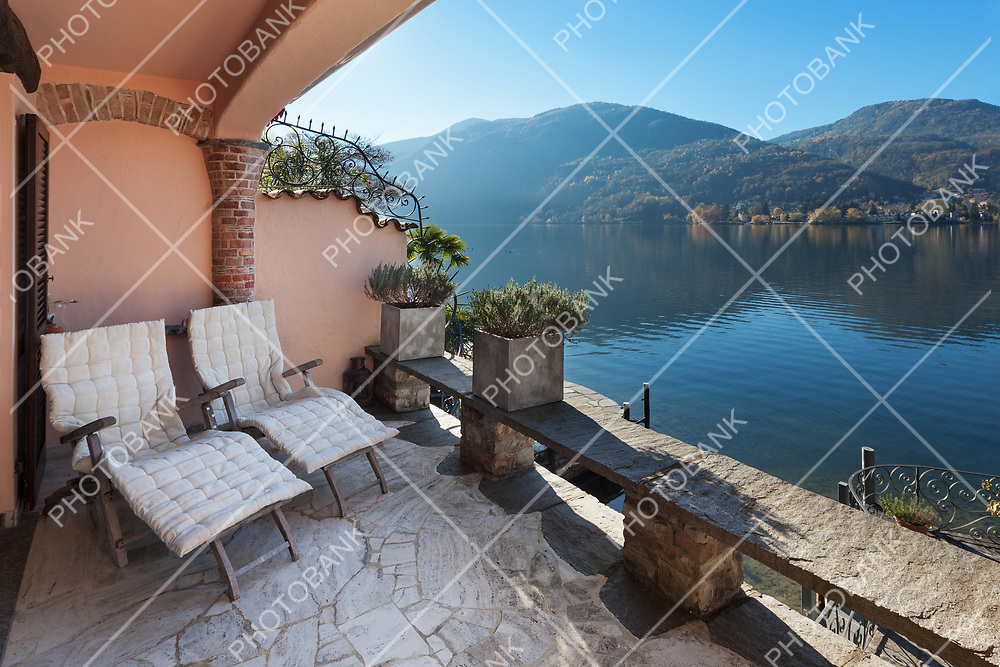 classical house, nice terrace overlooking the lake