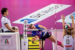 27-11-2016 ITA: Gorgonzola Igor Volley Novara - Nordmeccanica Modena, Novara<br /> Nova wint in drie sets van Modena / Katarina Barun #17