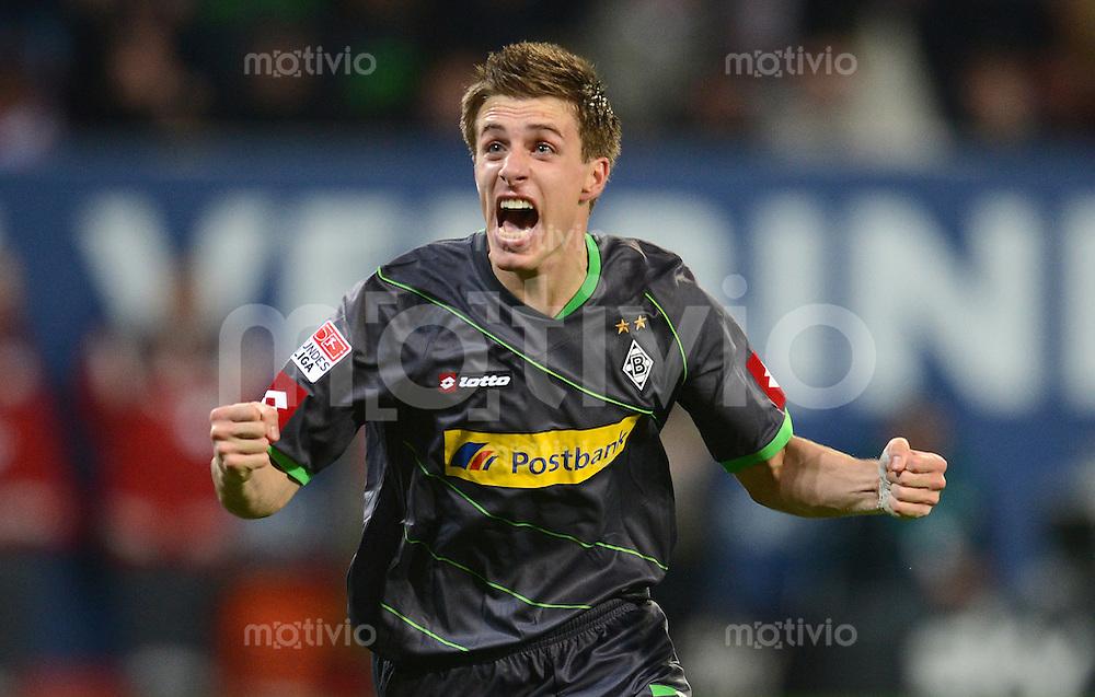 FUSSBALL   1. BUNDESLIGA  SAISON 2012/2013   13. Spieltag FC Augsburg - Borussia Moenchengladbach           25.11.2012 Jubel nach dem Tor zum 1:1 Patrick Herrmann (Borussia Moenchengladbach)