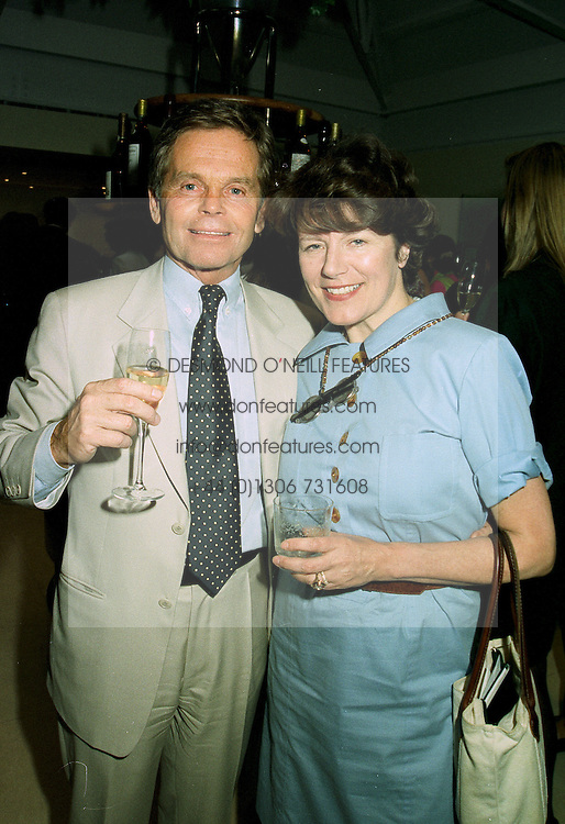 MR SIMON MURRAY and the HON.MRS HENRY KESWICK, at a party in London on 11th June 1997.LZG 67