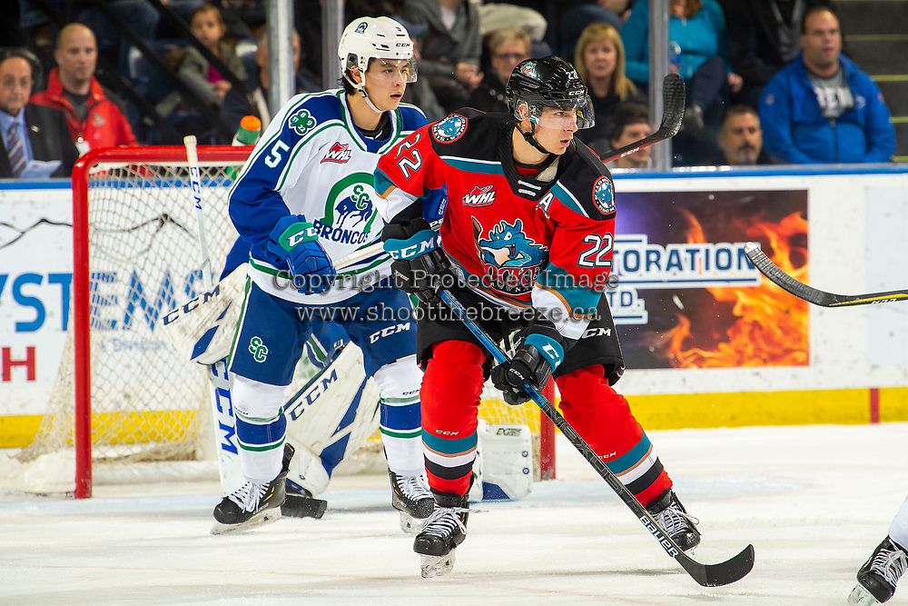 KELOWNA, BC - OCTOBER 16:  Dillon Hamaliuk #22 of the Kelowna Rockets looks for the pass against the Swift Current Broncos at Prospera Place on October 16, 2019 in Kelowna, Canada. Hamaliuk was selected by the San Jose Sharks in the 2019 NHL entry draft. (Photo by Marissa Baecker/Shoot the Breeze)