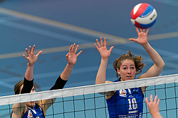 26-10-2019 NED: Talentteam Papendal - Sliedrecht Sport, Ede<br /> Round 4 of Eredivisie volleyball - Dani Dammers #3 of Sliedrecht Sport, Carlijn Ghijssen-Jans #10 of Sliedrecht Sport