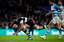Lood de Jager of Barbarians scores a try  - Mandatory by-line: Robbie Stephenson/JMP - 01/12/2018 - RUGBY - Twickenham Stadium - London, England - Barbarians v Argentina - Killick Cup