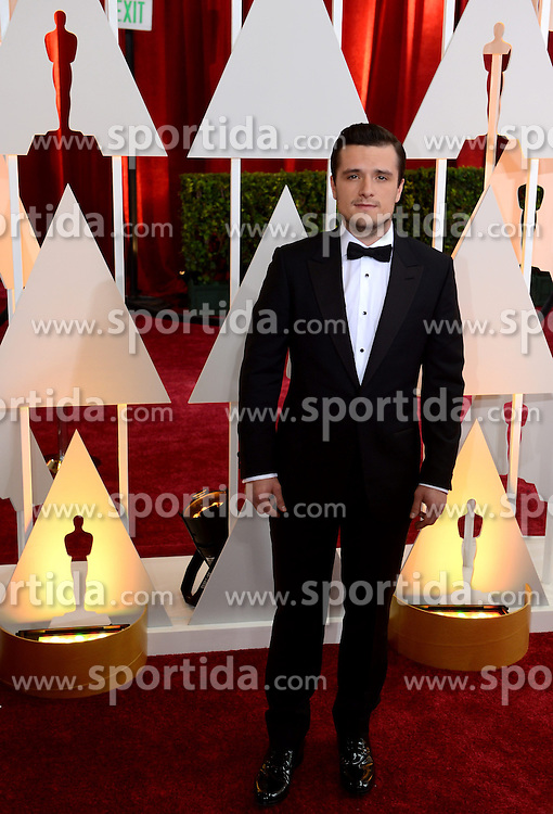 Actor Josh Hutcherson arrives for the red carpet of the 87th Academy Awards at the Dolby Theater in Los Angeles, the United States, on Feb 22, 2015. EXPA Pictures &copy; 2015, PhotoCredit: EXPA/ Photoshot/ Yang Lei<br /> <br /> *****ATTENTION - for AUT, SLO, CRO, SRB, BIH, MAZ only*****
