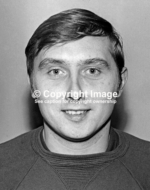 Jackie Hutton, footballer, Glentoran FC, Belfast, N Ireland, November, 1968, 196811000149<br />