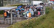 FODBOLD: Kø foran indgangen før kampen i ALKA Superligaen mellem FC Helsingør og OB den 24. juli 2017 på Helsingør Stadion. Foto: Claus Birch