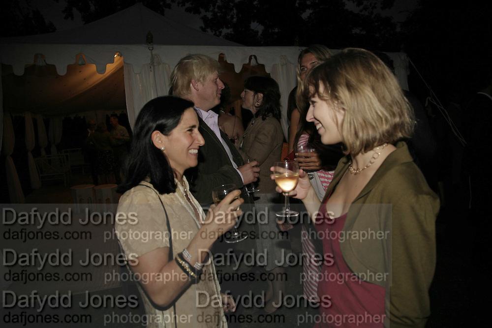 BORIS JOHNSON, MARINA JOHNSON AND DECCA LAMBERT, Rachel Johnson celebratespublication of ' Notting Hell'. Communal Gardens. Ladbroke Grove. London. 4 September 2006. .ONE TIME USE ONLY - DO NOT ARCHIVE  © Copyright Photograph by Dafydd Jones 66 Stockwell Park Rd. London SW9 0DA Tel 020 7733 0108 www.dafjones.com