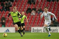 Mathias Greve (OB) følges af Guillermo Varela (FC København) under kampen i 3F Superligaen mellem FC København og OB den 16. december 2019 i Telia Parken, København (Foto: Claus Birch).