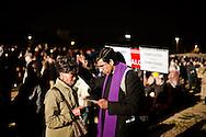 ROMA. UN PRETE CONFESSA UN FEDELE AL CIRCO MASSIMO IN OCCASIONE DELLA VEGLIA DI PREGHIERA PER LA BEATIFICAZIONE DI PAPA GIOVANNI PAOLO II;