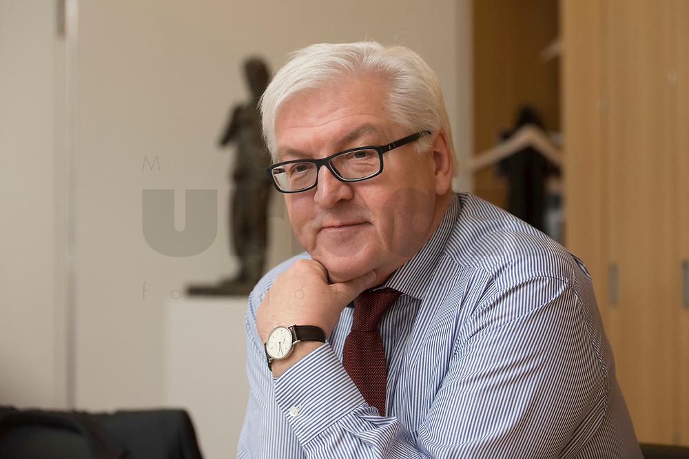 15 JAN 2013, BERLIN/GERMANY:<br /> Frank-Walter Steinmeier, SPD Fraktionsvorsitzender, waehrend einem Interview, in seinem Buero, Jakob-Kaiser-Haus, Deutscher Budnestag<br /> IMAGE: 20130115-01-019<br /> KEYWORDS: Büro