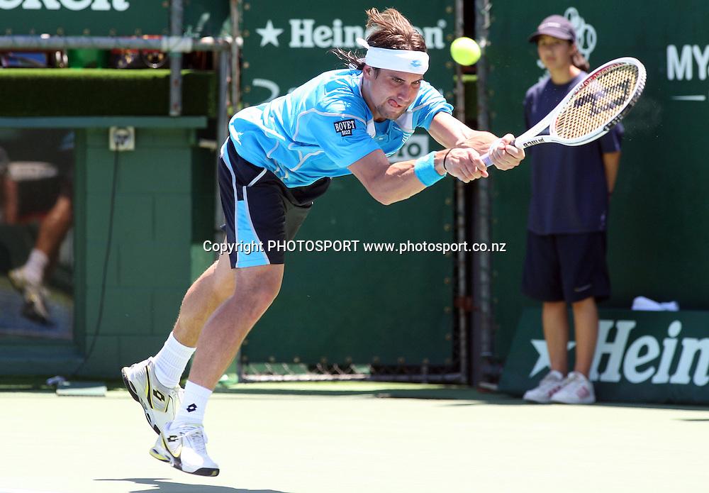 David Ferrer (ESP) in action versus Sam Querrey (USA) during the semi finals of the 2009 Heineken Open, Stanley st Tennis Centre, Auckland, New Zealand. Friday 16 January 2009. Photo: Andrew Cornaga/PHOTOSPORT