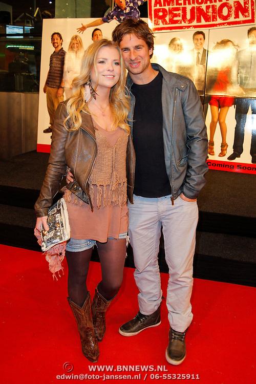 NLD/Amsterdam/20120326 - Inloop premiere American Pie: Reunion, Jennifer Ewbank en partner Robin de Munk