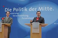 """24 APR 2002, BERLIN/GERMANY:<br /> Franz Muentefering (L), SPD, Bundesgeschaeftsfuehrer, und Gerhard Schroeder, SPD, Bundeskanzler und Parteivorsitzender, waehrend einer Pressekonferenz zur Vorstellung des SPD Wahlprogramms zur Bundestagswahl 2002 unter dem Motte """"Die Politik der Mitte"""", Willi-Brandt-Haus<br /> IMAGE: 20020424-02-012<br /> KEYWORDS: Franz Müntefering, Gerhard Schröder, Wahlprogramm"""