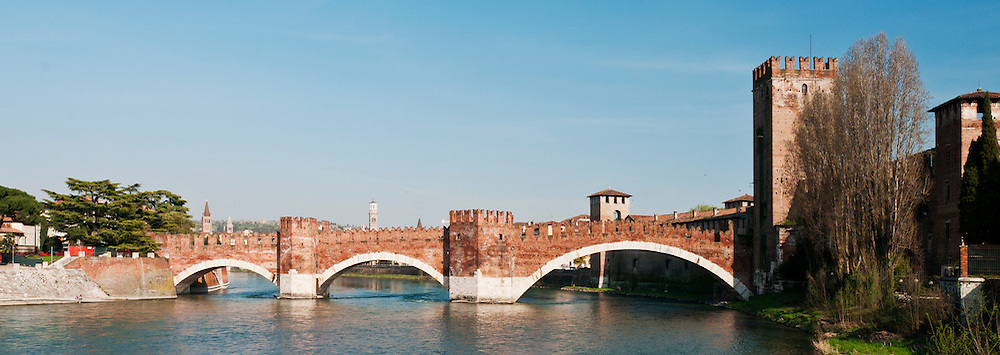 Castelvecchio (old castle) bridge, Verona Italy