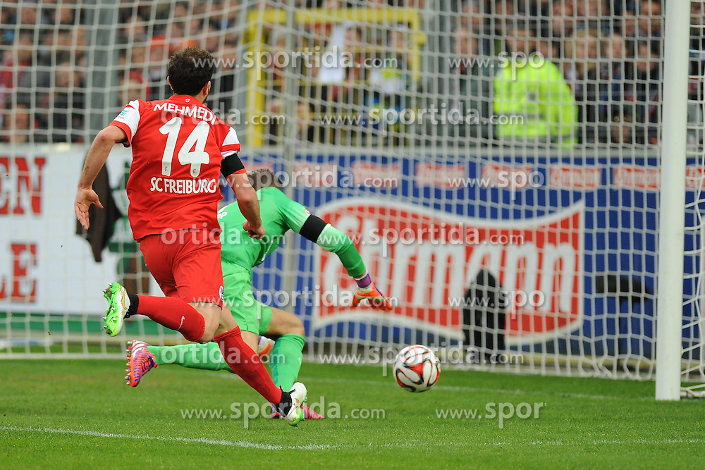 31.01.2015, Schwarzwald Stadion, Freiburg, GER, 1. FBL, SC Freiburg vs Eintracht Frankfurt, 18. Runde, im Bild (l.) Admir Mehmedi (SC Freiburg) (r.) Kevin Trapp (Torwart / Goalie Eintracht Frankfurt) // during the German Bundesliga 18th round match between SC Freiburg and Eintracht Frankfurt at the Schwarzwald Stadion in Freiburg, Germany on 2015/01/31. EXPA Pictures &copy; 2015, PhotoCredit: EXPA/ Eibner-Pressefoto/ Laegler<br /> <br /> *****ATTENTION - OUT of GER*****